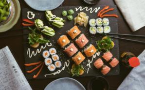 Domowe sushi z łososiem w 3 odsłonach!